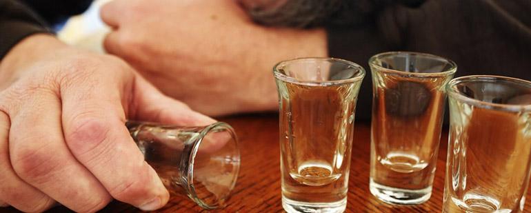 Симптомы и лечение алкогольной болезни печени