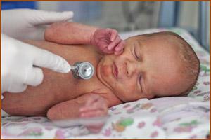 Проведение осмотра новорожденного